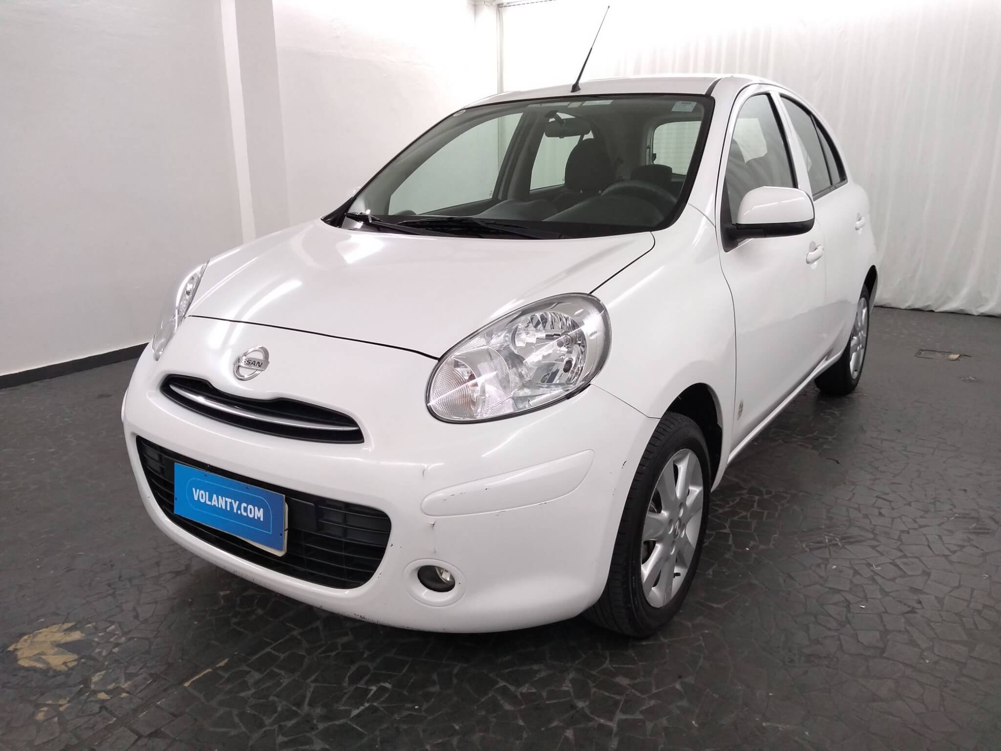 Nissan March 1 6 S 16v Manual 2013 Branco Com 56 648km Em Sp Volanty